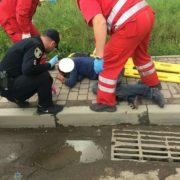 Подробиці ДТП у Франківську: мотоцикліст втік з місця аварії, його знайшли та затримали патрульні. ФОТО