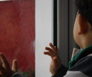"""Не дочекався приїзду """"швидкої"""": помер трирічний малюк, який випав з вікна"""