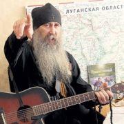 Почаївські монахи вважають війну на Донбасі «божою», а українську мову «некрасивой и вторичной»