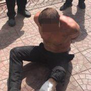 У Києві поліцейські прострелили ногу чоловікові: Потерпілий кидався на патрульних з ножем