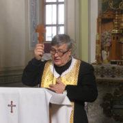 На Прикарпаття приїхав священик-екзорцист (фото)