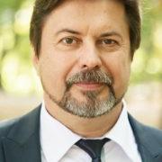 Екс-очільник франківської освіти хоче викладати в одному з університетів міста