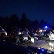 """На Прикарпатті зіткнулися вантажівка та """"мінівен"""""""