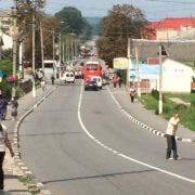 Трасу з Франківська до Львова заблокували освітяни. ФОТО