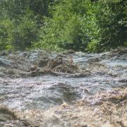 Наслідки сильних дощів: на Прикарпатті пошкоджено 20 мостів, 40 км доріг та затоплено 200 будівель