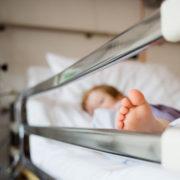 Скандал в Охматдиті: Мати яка поховала маленького сина розповідає про жахіття, які відбуваються в лікарні