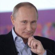 """""""Чергова лялька!"""" Світлина Путiна в Севастополі спантеличила мережу"""