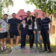 В Івано-Франківську відомі коміки завітали у гості до онкохворого хлопчика (фото)