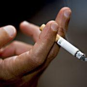 У Франківську двоє неповнолітніх пограбували чоловіка, бо той відмовив у сигареті