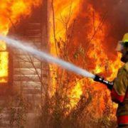 У житловому будинку спалахнула пожежа: на згарищі знайшли бездиханні тіла
