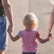 Стало відомо від кого з батьків дитина успадковує зайву вагу