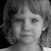 Олі було всього чотири роки. Того дня вона спала найдовше у житті, в будинку стояла тиша. Рідна матуся її вже ніколи не розбудить