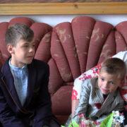 Вже рік у прийомній сім'ї на Коломийщині мешкають три хлопці з притулку (відео)