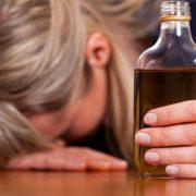 У Франківську п'яна мама залишила дитину із перехожим та втекла