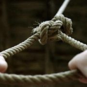 П'ять смертей за два дні: в Україні діти масово прагнуть померти