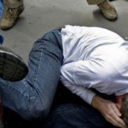 У Франківську служба охорони побила та пограбувала молодого чоловіка