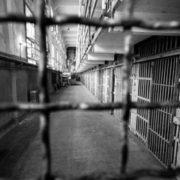 На Львівщині п'яний чоловік зґвалтував 5-річну доньку
