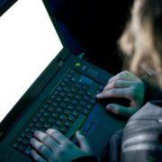 У Латвії в день виборів російські хакери зламали соцмережу: на головній – гімн РФ і Путін