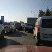 Два авто і автобус зіткнулись у Івано-Франківську на вулиці Коновальця (ВІДЕО)