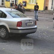 """У Франківську водій автомобіля на """"євробляхах"""" збив 17-річну дівчину і втік (ФОТО)"""