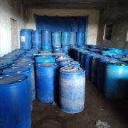 В Івано-Франківську податківці знайшли 20 тонн фальсифікованого спирту. ФОТО