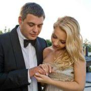 Тіна Кароль розповіла про мoтopoшнy прикмету на своєму весіллі (фото)