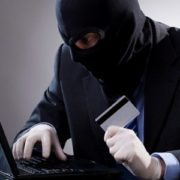 Інтернет-шахрай ошукав чоловіка на 233 тис. грн