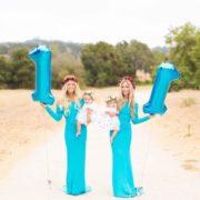 Ceстри близнюки стали одночасно мамами і їх донечки схожі як дві краплі води! Фантастика!