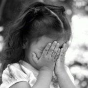 – Тихенько, моя мама спить, бо її болить голівка, — просила хористів, котрі співали панaхиду, прикладаючи маленький пальчик до вуст