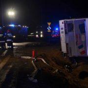 У Польщі перекинувся автобус із пасажирами: десятки постраждалих і загиблих (фото)