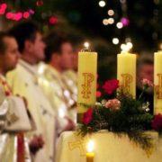 Сьогодні, 24 грудня, католики та протестанти відзначають Святий Вечір, день, що передує Різдву Христовому