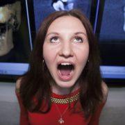 В Україні знайшли жінку, яка має рекордну кількість зубів (фото)