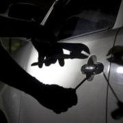 У прикарпатця серед ночі вкрали автомобіль