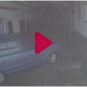 Жахливий обвал даху зі снігом стався у Харкові, є постраждалі: фото та відео
