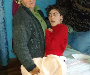 Прикарпатка, яка сама виховує внучку з ДЦП, потрапила в реанімацію з інсультом: потрібна допомога