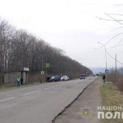 """На Івано-Франківщині водій """"Ниви"""" збив чоловіка, який вийшов з рейсового автобуса"""