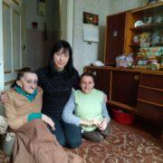 Франківців кличуть на ярмарок, щоб допомогти дівчині з кришталевою хворобою