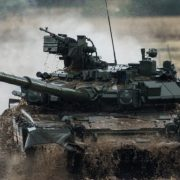 Ми оточені з трьох сторін, Путін готує сотні ракетних залпів: генерал розкрив правду українцям