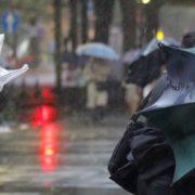 Дощ, град, гроза та посилений вітер: на Прикарпатті оголосили штормове попередженя