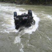 На Верховинщині вантажівка з туристами злетіла у гірську річку