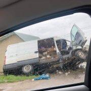 Аварія на Прикарпатті: мікроавтобус опинився у кюветі (ФОТО)