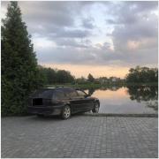 Оприлюднені подробиці ДТП у Калуші, де автівка протаранила лавку і ледь не впала в озеро