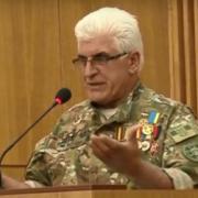 Президент дав українське громадянство грузину-добровольцю з Прикарпаття