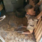 Ридав і кричав: викрили горе-батьків, котрі катували свого 6-річного сина