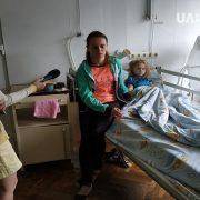 Мама дівчинки, що впала з моста розповіла подробиці інциденту. ВІДЕО