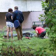 Мати ридала над тілом: 19-річний студент-медик викинувся з багатоповерхівки через погану оцінку