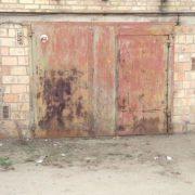 На Прикарпатті у гаражі знайшли повішеним 23-річного хлопця