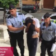 У Чехії зухвалий грабіжник ледь не вбив франківчанку, яка за кордоном лікується від раку (фото + відео)