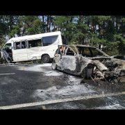 Масштабна ДТП на трасі: постраждало 24 людини, автомобіль вигорів вщент (фото, відео)