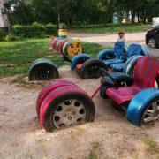 Калушани створюють чудовий дитячий простір у дворах своїх будинків